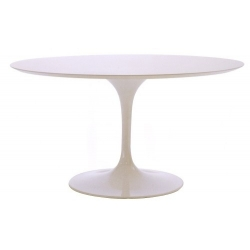 Round Tulip dining table by...