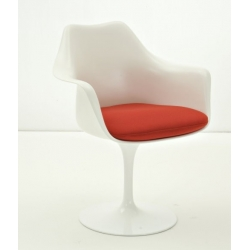 Tulip chair 533  by Eero...